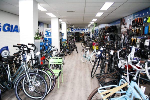 De nieuwe fietsenmaker binnen voorzijde